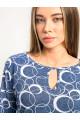 1071-1 - Блузка из хлопкового полотна с рукавом 3/4. Низ блузки и рукава собраны на резинку. Горловина обтачана бейкой с фигурным вырезом на полочке.