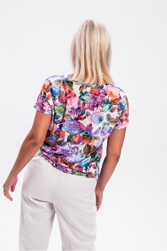 1956-2 - Блузка свободного покроя со спущенным плечом  выполнена из шелковистого полотна красивой набивки. По низу широкий притачной пояс, создающий необыкновенный комфорт в носке.