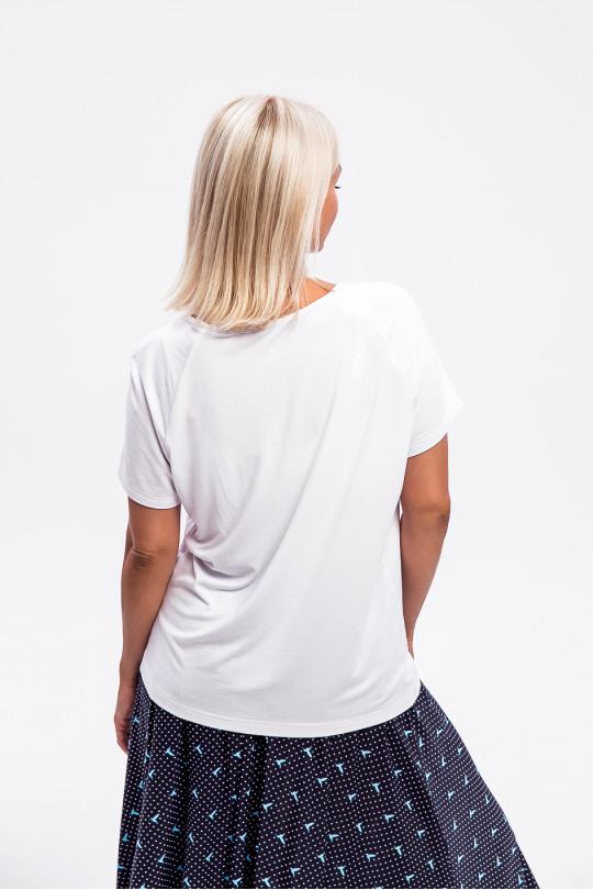 1965-1 - Легкая блузка из вискозного полотна с рукавом реглан и легкой сборкой на горловине полочки придаст невероятное ощущение комфорта в жаркую погоду.
