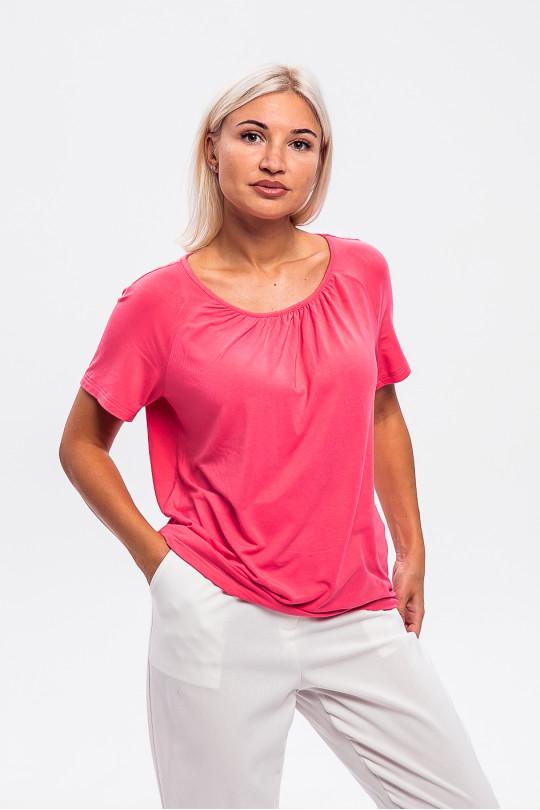 1965-3 - Легкая блузка из вискозного полотна с рукавом реглан и легкой сборкой на горловине полочки придаст невероятное ощущение комфорта в жаркую погоду.