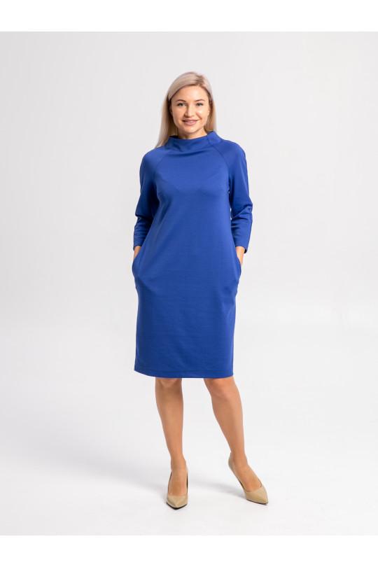 2012-1 - Платье покроя реглан с высоким цельнокроеным воротником и рукавом 3/4 выполнено из полотна средней плотности.