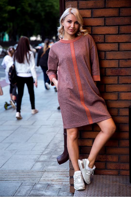 2931-2 - Платье свободного силуэта выполнено из плотного
