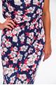 2952 - Легкое летнее платье без рукава.По линии талии проложена резиновая тесьма. По горловине спинки и полочки сборка. В шве спинки вверху разрез, скрепленный завязками.