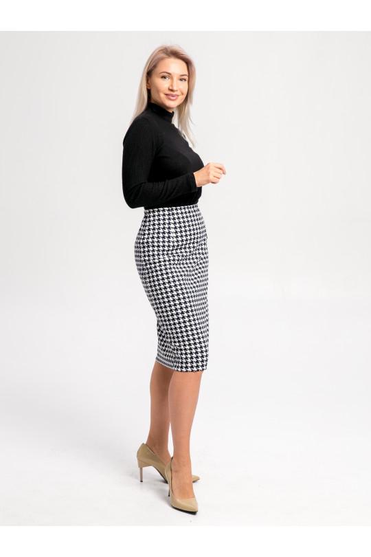 """59113 - Прямая юбка слегка зауженного силуэта длиной до середины колена из полотна с набивкой """"пье-де-пуль""""- прекрасно сочетается с однотонным верхом или джемпером такого же рисунка."""