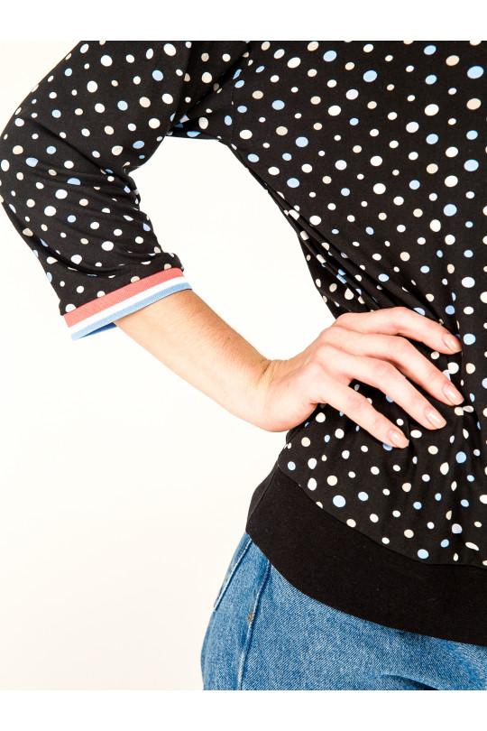 6041-2 - Джемпер  из мягкого полотна с набивкой. Горловина и рукава отделаны вязаными манжетами. По низу притачной пояс.