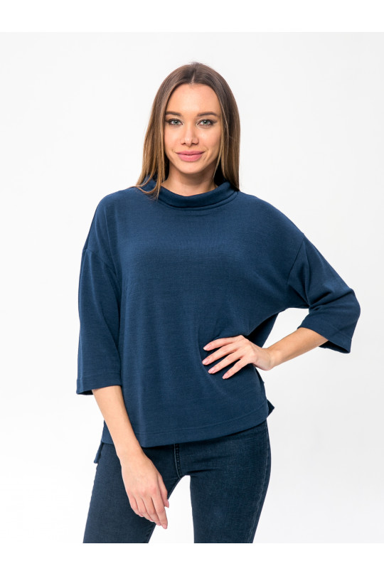6091-3 - Этот джемпер свободного покроя очень порадует Вас в холодное время. Он теплый , т.к. в составе шерсть, комфортный - т.к. полотно облегченное и универсальный - его можно носить с джинсами, брюками, юбкой. Широкий воротник-стойку можно отворачивать